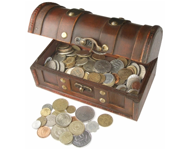 1 Kilo coins in Treasure Chest with very old Coins